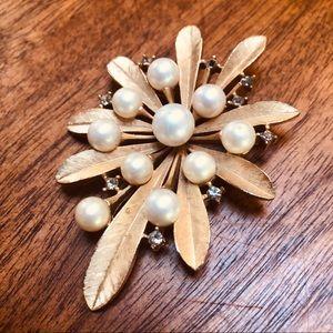 Trifari Vintage Gold Pearl and Diamond Brooch